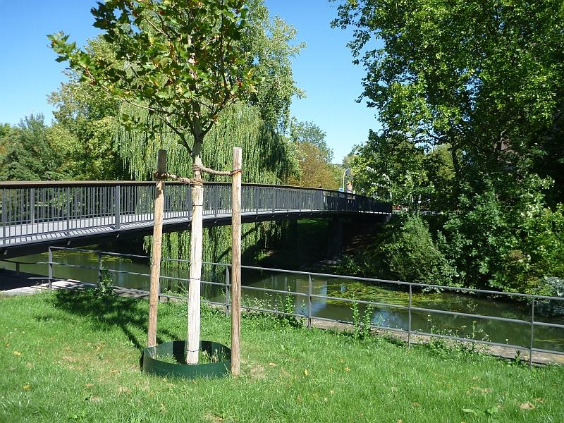 Heilbronn eine Brücke über einen Kanal