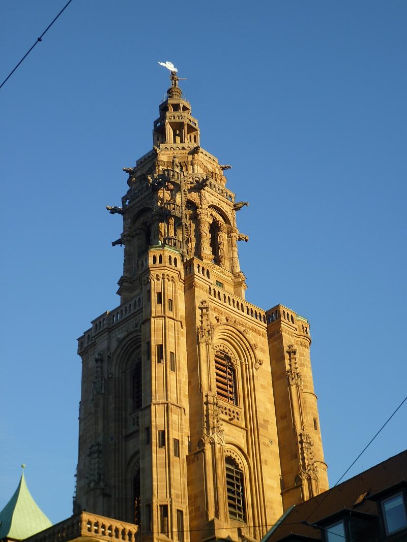 Heilbronn Kilianskirche Westturm im Sonnenschein