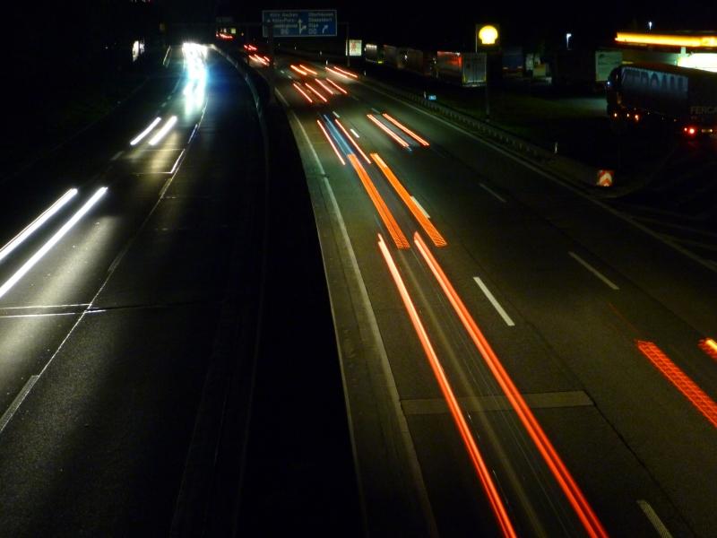 Köln Autobahn Nacht Langzeitaufnahme