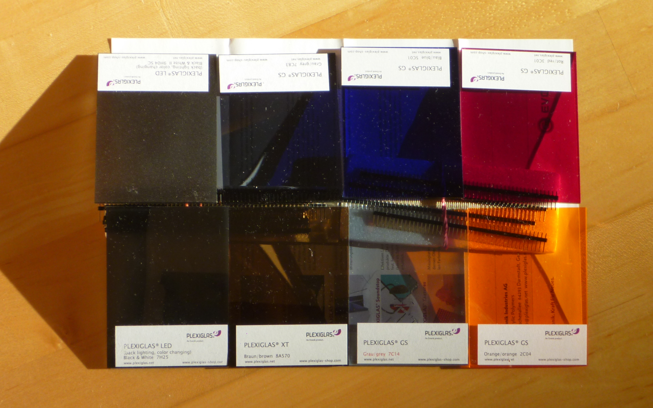 Two Rows with each four (2x4) Acrylic Glass Panels (75x100x3mm) with different colors.